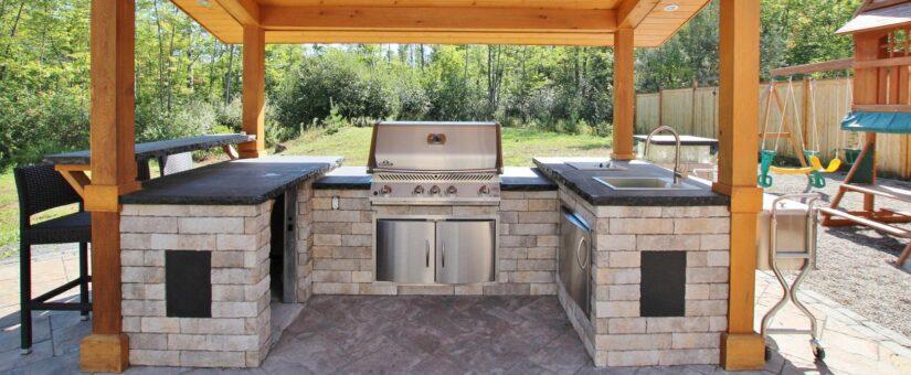 Luxury Home Series: Custom Outdoor Kitchen